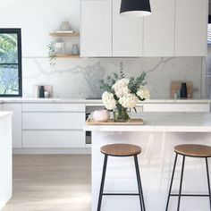 Scandinavian kitchen style is well-known for its simple appearance. the vibe of your kitchen, buying a contemporary table as furniture would Home Decor Kitchen, Rustic Kitchen, Kitchen Living, New Kitchen, Home Kitchens, Kitchen Ideas, Kitchen White, Kitchen Layout, Kitchen Hacks