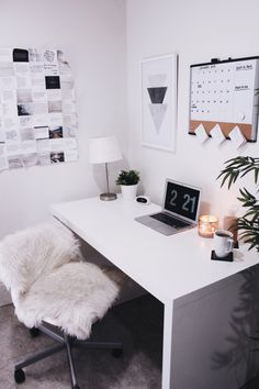 These 9 Desk Hacks Will Make You So Much More Productive #bloggingboost
