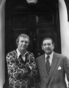 Fulham manager Alec Stock parades new signing Bobby Moore in March 1974 Fulham Fc, Bobby Moore, England Football, West Ham, Football Team, Dawn, Legends, Soccer, March