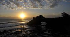 Sunset, Pura Tanah Lot, Bali, Indonesia. Photo: © J.C. Pozo