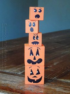Jack O'Lantern Wooden Blocks by @amandaformaro Crafts by Amanda