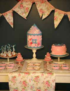 Cupcake: Flowers and birds