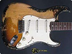 Fender / Stratocaster / 1971 / 3-tone Sunburst / Vintage Guitar