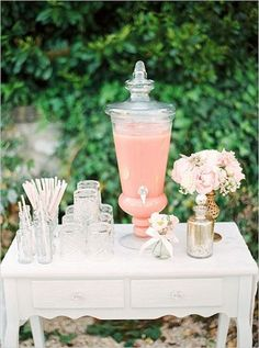 Loooove this pink cocktail table idea! Photo: Peaches & Mint by Pia Clodi via Wedding Chicks