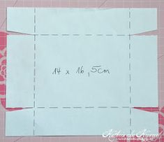 Hallo Ihr Lieben!    Hier sind wir wieder mit einer neuen Anleitung für Euch - diesmal mit dieser Box mit geteiltem Deckel. Die Idee stam...