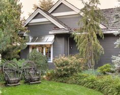 45 Super Ideas For Exterior House Colors Benjamin Moore Kendall Charcoal Exterior Color Schemes, Exterior Paint Colors For House, Grey Exterior, Paint Colors For Home, Exterior Design, Exterior Homes, Grey Siding, Siding Colors, Cottage Exterior