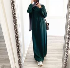 Hijab Style Dress, Modest Fashion Hijab, Frock Fashion, Abaya Fashion, Muslim Fashion, Fashion Outfits, Blouse Verte, Long Dress Design, Mode Abaya