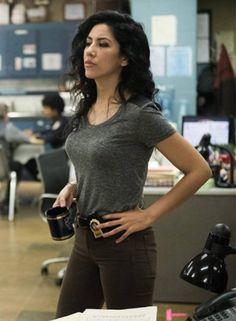 Stephanie Beatriz on Brooklyn Nine-Nine - The Hollywood Gossip Brooklyn Nine Nine Rosa, Brooklyn 9 9, Rosa Diaz, Hollywood Gossip, Don Juan, Badass Women, Celebrity Crush, Girl Crushes, Pretty People