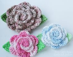 Ravelry: I don't like the yarns but I like the pattern. i can never find knitted flower patterns!