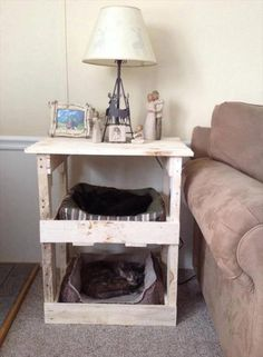 Reclaimed Pallet Side Table + #Pet #Bed - Top 15 DIY Pallet #Furniture Ideas | 99 Pallets