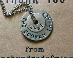 The Maze Runner, Maze Runner Funny, Maze Runner Series, Runner Tattoo, Runners Outfit, Hand Gestempelt, Washer Necklace, Book Fandoms, Brodie Sangster