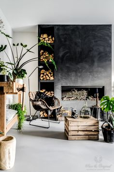 Many reasons people prefer dark gray rug living room and sliding-doors-exterior than others. The calm dark gray color makes people like it because it is Dark Grey Walls, Dark Grey Rug, Grey Rugs, Living Room Plants, Rugs In Living Room, Serene Bathroom, Swedish Interiors, Swedish Interior Design, Diy Plaster