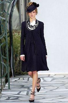 Chanel Spring 2003 Couture Fashion Show - Natalia Vodianova, Karl Lagerfeld
