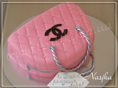 Chanel Purse Cake by Nasjka, via Flickr