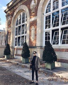 #vscocam #vsco #paris #jardinduluxembourg #garden #sunglasses #smile #menstyle #mensfashion #menfashion #gucci Rudy Outreville Gucci, Street View, Smile, Mens Fashion, Paris, Sunglasses, Garden, Moda Masculina, Man Fashion