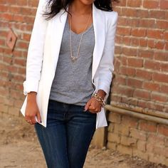 White blazer simple grey tee with dark skinny jeans