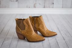 Boots Handmade by Frou Frou  #froufroushoes #etsy #design #shoes