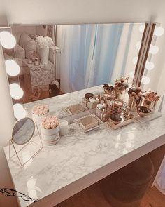 Bedroom Decor For Teen Girls, Girl Bedroom Designs, Room Ideas Bedroom, Room Girls, Rich Girl Bedroom, Room Decor Bedroom Rose Gold, Girl Rooms, Diy Bedroom, Kids Girls