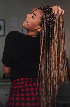 60 Totally Chic And Colorful Box Braids Hairstyles To Wear! - Part 57 trenzas africanas 60 Totally Chic And Colorful Box Braids Hairstyles To Wear! - Part 57 Short Box Braids, Blonde Box Braids, Black Girl Braids, Brown Box Braids, Ombre Box Braids, Jumbo Box Braids, Short Hair, Braided Crown Hairstyles, Braided Hairstyles For Black Women