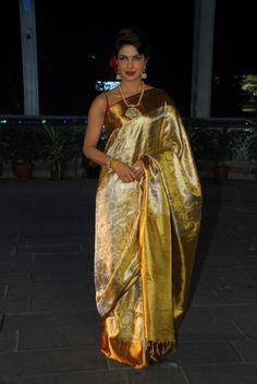 Beautiful Ms Goldy @PriyankaChopra at Shirin Morani & Uday Singh Wedding Reception, Dec 21, 14