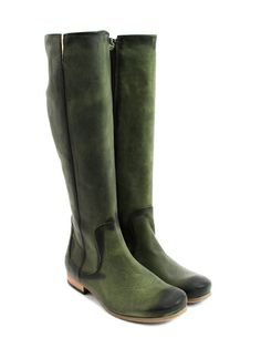I must have these!  Ard boots in green   via http://www.fluevog.com