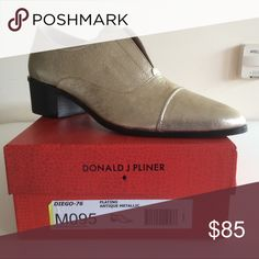 """NEW! Donald J Pliner-women's 9.5 """"Diego"""" oxfords NEW IN BOX! Genuine Leather Oxfords, Pointed Cap Toe, Metallic Platino, 1.5"""" stacked heel Donald J. Pliner Shoes"""