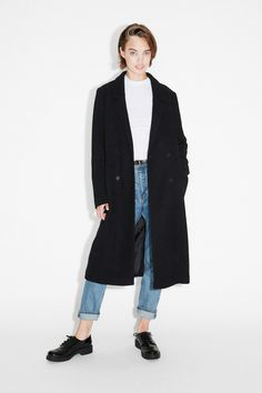 https://www.monki.com/en_gbp/clothing/coats-and-jackets/product.double-breasted-coat-black-magic.0400361001.html