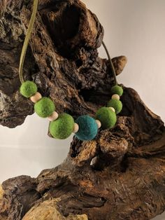 Felt pompoms with wood beads. Ball Necklace, Pendant Necklace, Felt Ball, Boho Style, Women's Accessories, Boho Fashion, Crochet Necklace, Wool, Beads