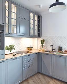 Stan Wewnętrzny в Instagram: «Kawalerka na Mokotowie…» Farmhouse Style Kitchen, Home Decor Kitchen, Rustic Kitchen, Kitchen Interior, Home Interior Design, Kitchen Design, Kitchen Cabinet Colors, New Kitchen Cabinets, Grey Kitchens