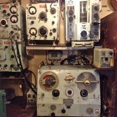 Alien Artefact Equipment in the radio room. Tug Boats, Gaming Computer, Battle, Adventure, Room, Bedroom, Rooms, Adventure Movies, Adventure Books