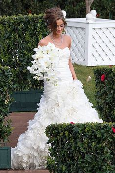 molly malaney...beautiful gown- Monique Lhullier