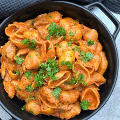 Yummy Eats, Yummy Food, Dinner Is Served, Food Presentation, Pasta Recipes, Italian Recipes, Food Porn, Food And Drink, Lunch