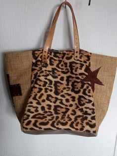 Best 11 Second bag – Denim, Leather, & Zebra Bag – SkillOfKing. Leopard Print Hair, Motif Leopard, Ethnic Bag, Diy Handbag, Creation Couture, Denim Bag, Shopper, Dark Brown Leather, Knitted Bags