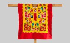 Blusa de Tehuana de colección antigua: huipil del Istmo de Tehuantepec Oaxaca Mexico. Flores tejidas a mano de CadenillayFlores en Etsy https://www.etsy.com/mx/listing/489941703/blusa-de-tehuana-de-coleccion-antigua