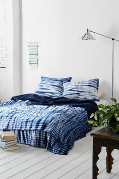 Noodle Indigo Tie-Dye Bed Blanket #urbanoutfitters