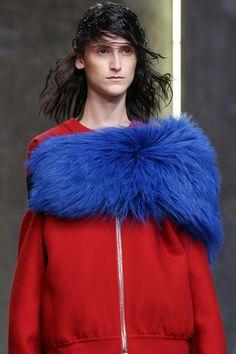 Marni sigue apostando por el look sporty chic para el próximo otoño 2014. #moda Si quieres formarte como #personalshopper infórmate en nuestra web: http://www.psschool.es/