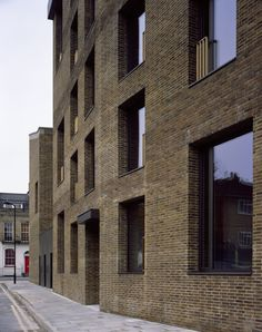 Shepherdess Walk, N1 by Solidspace Architects London Photo © Helene Binet