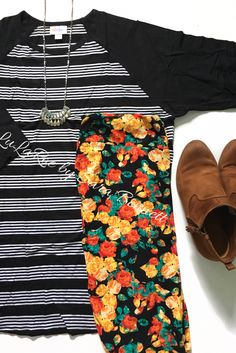 Black and white striped Randy Tee and TC leggings! Click the photo to join my shopping group for more outfits like this!