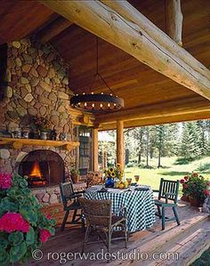 OMG.....The ultimate outside space.....I could so see myself eating and sleeping in front of that fireplace....sigh <3