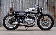 Very sexy, ultra classic, 2019 Royal Enfield Interceptor twin by K-Speed Enfield Bike, Enfield Motorcycle, Motorcycle Style, Women Motorcycle, Motorcycle Helmets, Vintage Cafe Racer, Custom Cafe Racer, Cafe Racer Bikes, Vintage Motorcycles