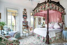 Mario Buatta Decorates a Stately Charleston Mansion for Patricia Altschul | Architectural Digest