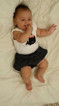 Coco is ready to go with her daddies to run some errands :)   #LifeAsLeo    Coco ya esta lista para salir con sus papas :)  #prouddaddies #daddies #daughter #saturday #babyfashion #ColleenCoco