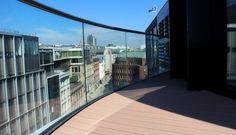 Pflegeleichte und bildschöne Terrassenbohlen. Wetterfeste WPC Dachterrasse