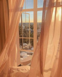 dreamy society aesthetic, aesthetic accessories and personalized clothing Aesthetic Rooms, Aesthetic Photo, Aesthetic Pictures, Orange Aesthetic, Beige Aesthetic, Summer Aesthetic, Aesthetic Vintage, Picture Wall, Photo Wall