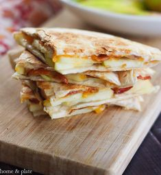 Honeycrisp Apple Quesadillas with Bacon and Cheddar 18 Sweet And Savory Dinner Combos That Will Blow Your Mind Bacon Recipes, Apple Recipes, Mexican Food Recipes, Cooking Recipes, Kid Recipes, Cooking Tips, Quesadillas, Honeycrisp Apples, Breakfast