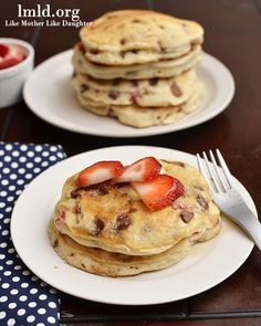 Neapolitan Pancakes! A simple and delicious breakfast recipe! Click to get the #recipe #lmldfood