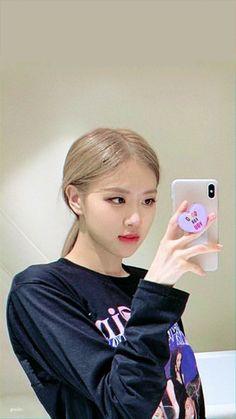 Kuala Lumpur, South Korean Girls, Korean Girl Groups, Foto Rose, Rose And Rosie, Black Pink Dance Practice, Blackpink Members, Rose Park, Black Pink Kpop