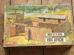 AIRFIX Vintage HO-OO Fort APACHE (Oudste LOGO)