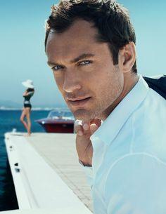 Not a huge fan of Jude Law... but OMG those eyes :D