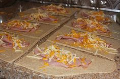 Feeding-a-bunch-a-Munchkins: Homemade Ham and Cheese Hot-Pockets